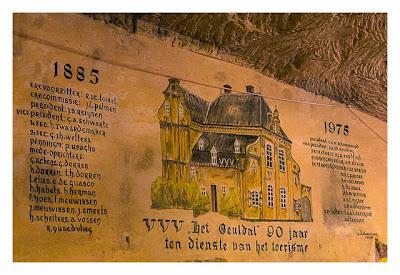 Valkenburg - Weihnachtsmarkt - Wandgemälde Geschichte
