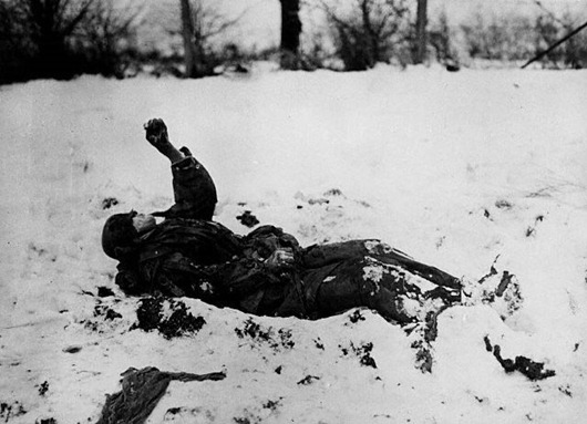 frozen-german-soldier-near-nefte-belgium-wwii
