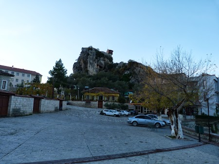 Obiective turistice Albania: Citadela Petrella