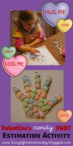 Valentines Day Math Activity - this is such a fun estimation activity using candy and free printable for toddler, preschool, kindergarten, first grade, and 2nd grade kids.