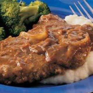 Crockpot Cubed Steaks With Gravy.