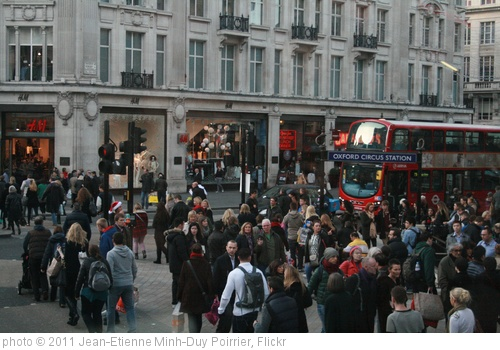'Crowded Oxford Circus' photo (c) 2011, Jean-Etienne Minh-Duy Poirrier - license: http://creativecommons.org/licenses/by-sa/2.0/