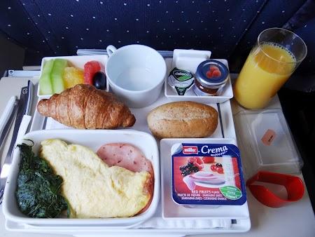 04. Mic dejun Air France.JPG