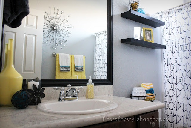 49 black white gray and yellow bathroom decor