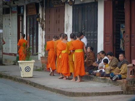 14. Calugari budisti.JPG