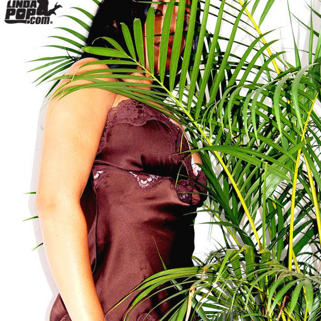 Andrea Rincon Striptease Prendas Foto 32
