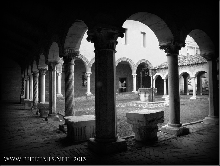 Chiostro San Romano 2/2, Ferrara, Emilia Romagna, Italia - Cloister of San Romano 2/2, Ferrara, Emilia Romagna, Italy - Property and Copyrights of FEdetails.net