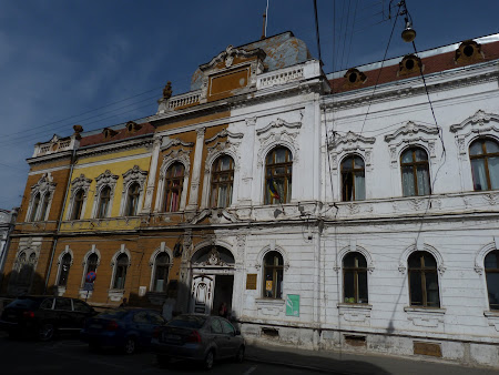 O cladire care pare abandonata in Oradea - Filarmonica