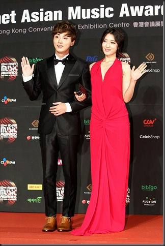 MAMA2012_Parkshinhye&Yunsiyun (4)