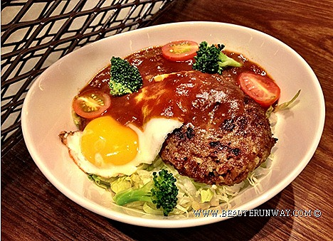 Nana's Green Tea Cafe Food Reviews Locomoko Don Japanese Hamburg beef patty, runny sunny side up egg tomatoes pasta sauce lettuce, cherry tomatoes, broccoli Japanese rice  Mushi - Dori Goma Dare Mentaiko Cream Udon Noodles .
