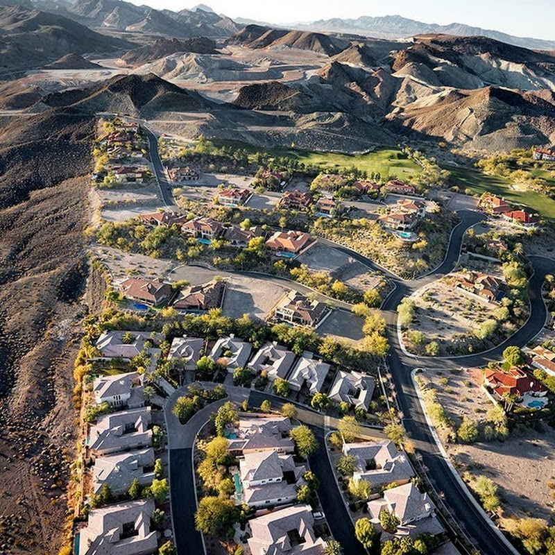 Michael Light's Aerial Photographs of Economic Collapse