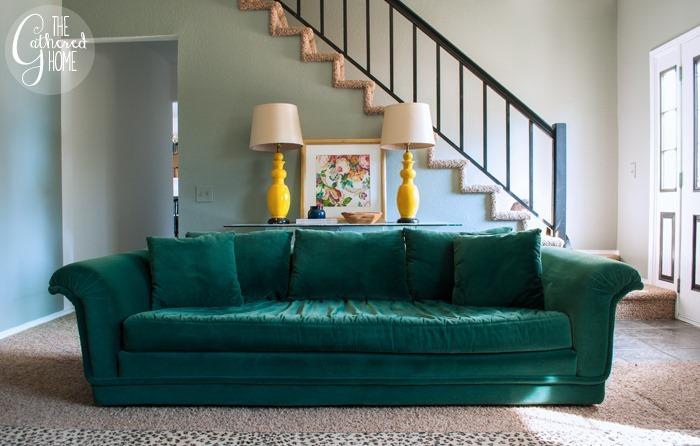 emerald green velvet sofa3
