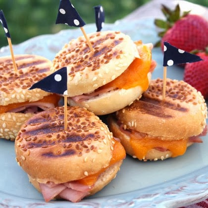mini-ham-paninis-recipe-photo-420x420-aneedham-1184.jpg