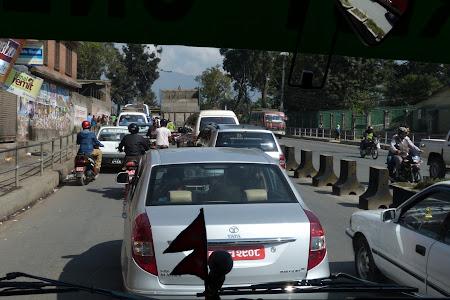 Imagini Nepal: trafic in Kathmandu