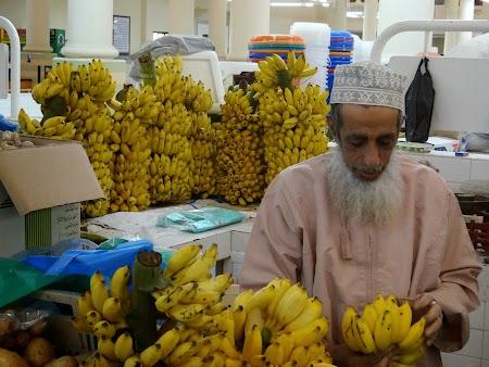 07. Vanzatorul de banane.JPG