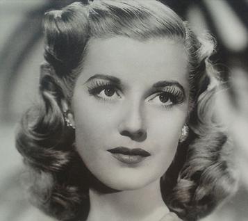 Elegant, yet simple 1940's style - Pin Curls 101 | Lavender & Twill
