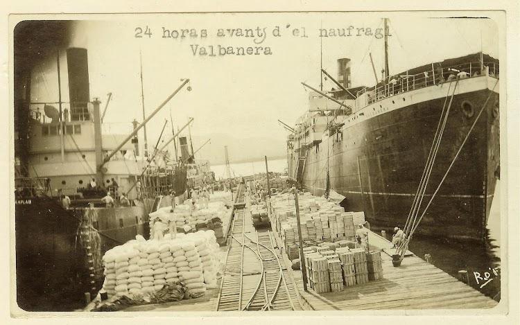 El vapor VALBANERA poco antes de su epico final. Foto Flickr.jpg