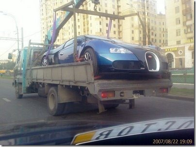 bugatti-veyron-on-the-back-of-a-truck-in-russia