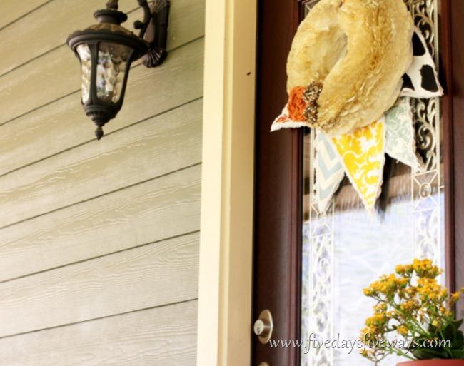 [IMG_2277-15.jpg&description=Try-it Tuesday: Spring Door Décor')]
