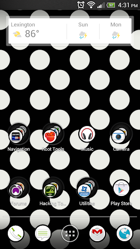 Polka Dot Black White Theme