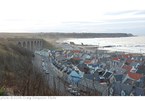 'Cullen viaduct and seatown' photo (c) 2008, Craig Simpson - license: http://creativecommons.org/licenses/by/2.0/