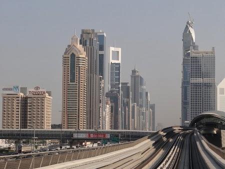 Dubai vazut din Metro