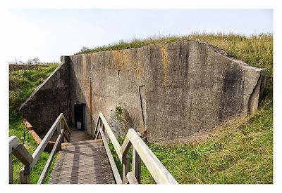 LP: Atlantikwall - Stp Tirpitz (Museum Raversyde) - Eingang zum Luftschutzraum