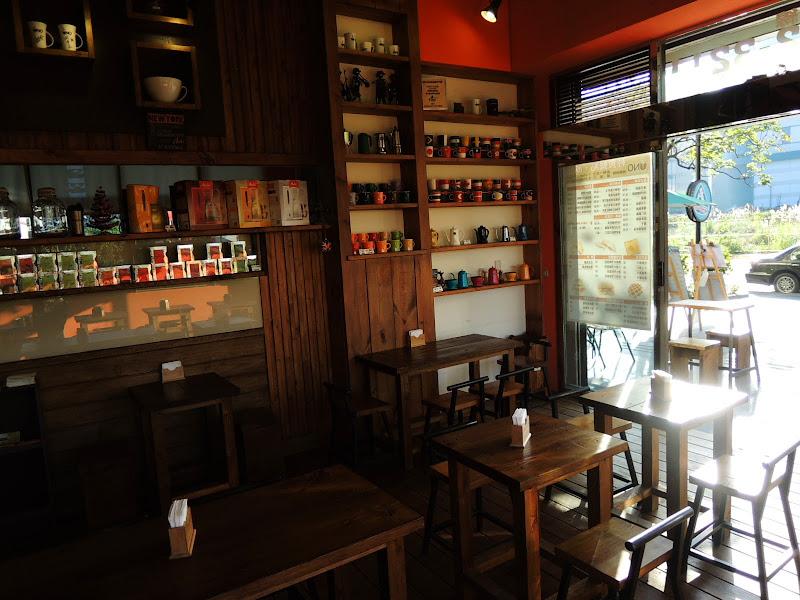 UNO COFFEE 舞弄咖啡館館內另外一面.jpg
