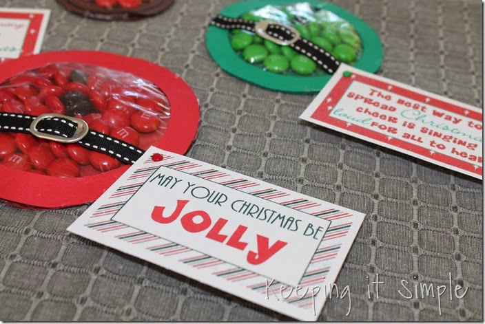 Christmas M&M pouches #freeprintable (10)