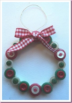 Mini Christmas Button Wreath