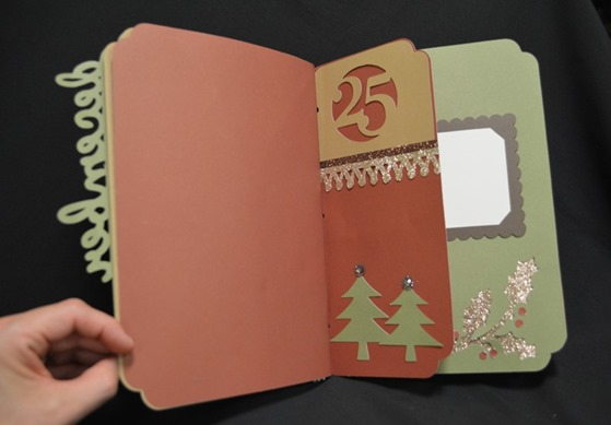 Christmas mini-album_Artbooking pg4 DSC_2998