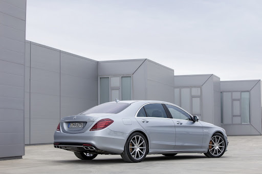 2014-Mercedes-Benz-S63-AMG-07.jpg