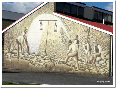 Mural to the gold miners in Westport.