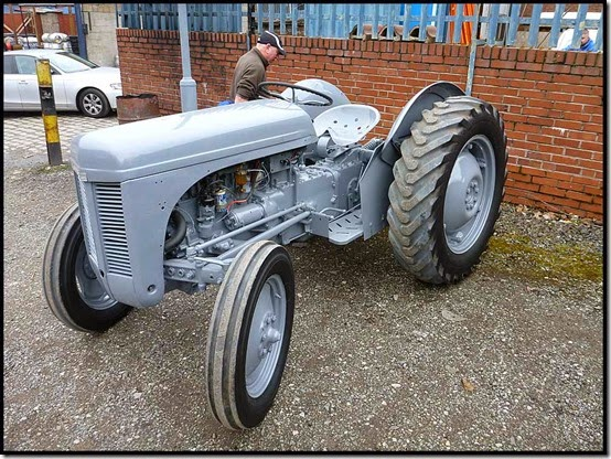 1229tractor2