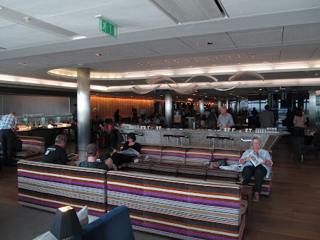 36. business lounge.JPG
