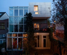 fachada-con-revestimiento-con-paneles-de-aluminio