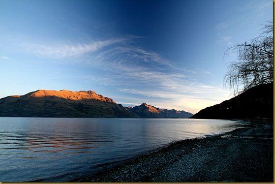 Lake Wakatipu  blue sky mountains