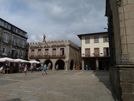 Imagini Portugalia: Piata centrala Guimaraes