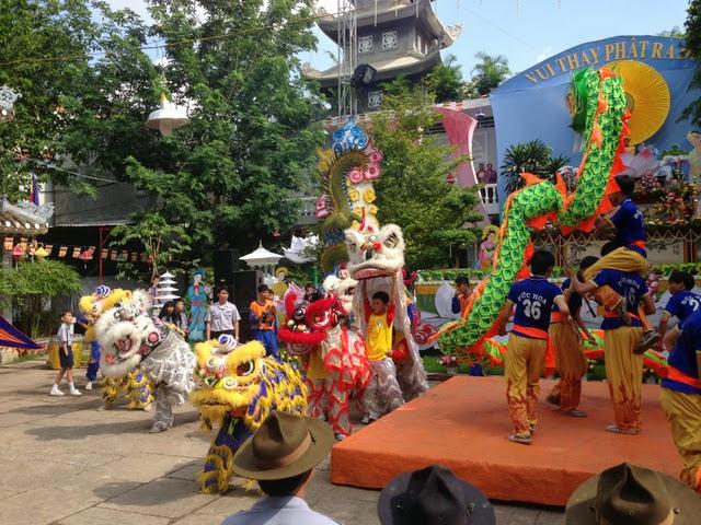 IMG 1972%252520%2525281%252529 Đại lễ Phật đản PL 2557 tại Tu viện Quảng Hương Già Lam