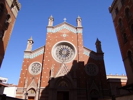 36. Catedrala catolica Istanbul.JPG