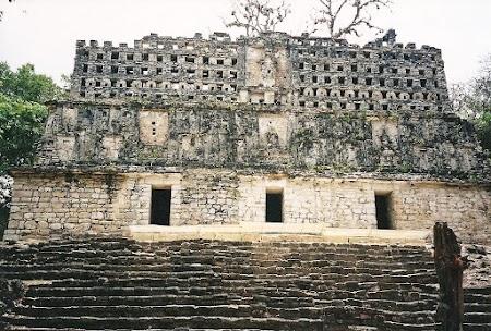 31. templul 33 din Yaxchilan.JPG