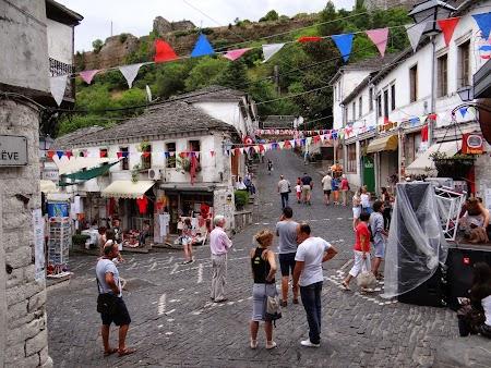 07. Bazar din Gjirokaster.JPG