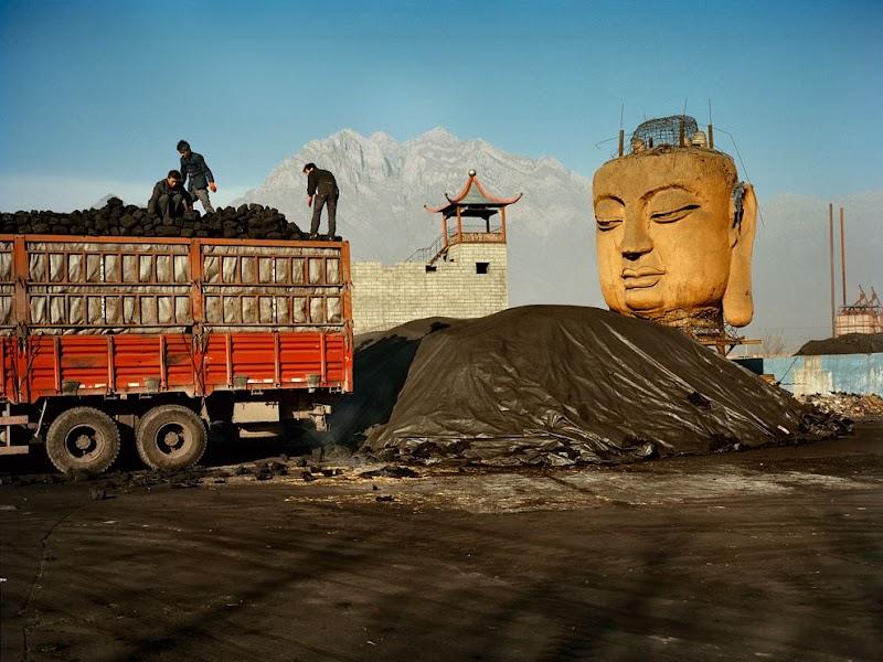 coal-yard-buddha_37816_990x742.jpg