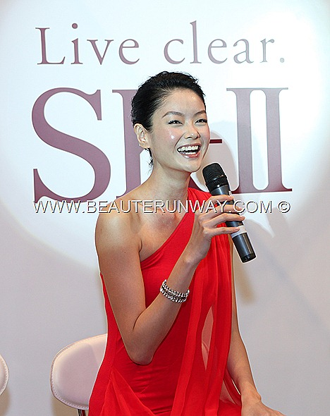 SHEILA SIM SK-II FACIAL TREATMENT ESSENCE MASK NEW BRAND AMBASSADOR  Skin signature eye cream   Cellumination Essence mask LXP U