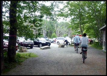 22c - post 8 to 6 - back to the car and busy parking lot