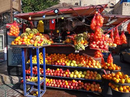 09. Stand cu fructe Israel.JPG