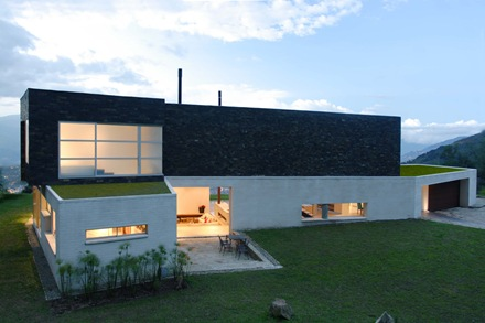 fachada-casa-Jaime-Rendon-Arquitectos