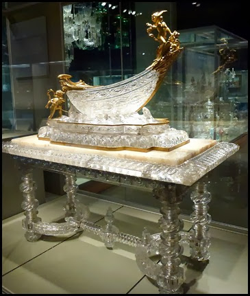 02g1 - Corning Glass Museum - Cut Glass Table and Ship