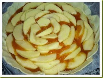Torta sfogliata di mele con marmellata di albicocche e gelatina (3)