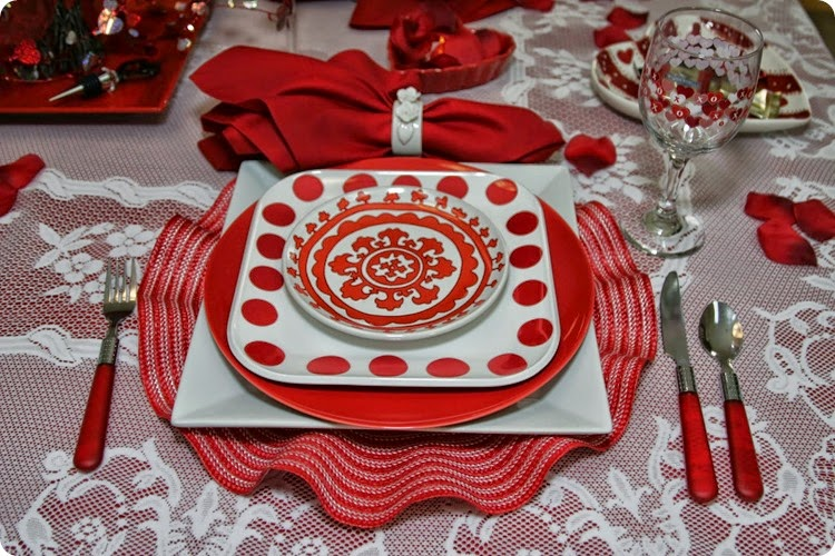 Valentine Table-Magic Hutch